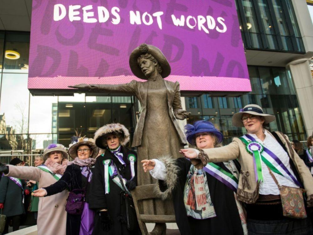 Quand les suffragettes s'attaquent à l'art