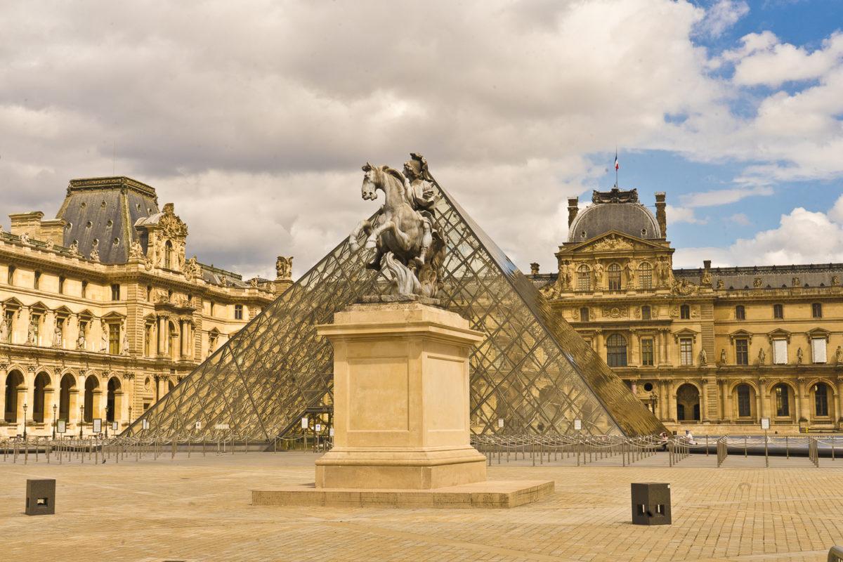 Le Louvre : histoire d'un nouveau genre